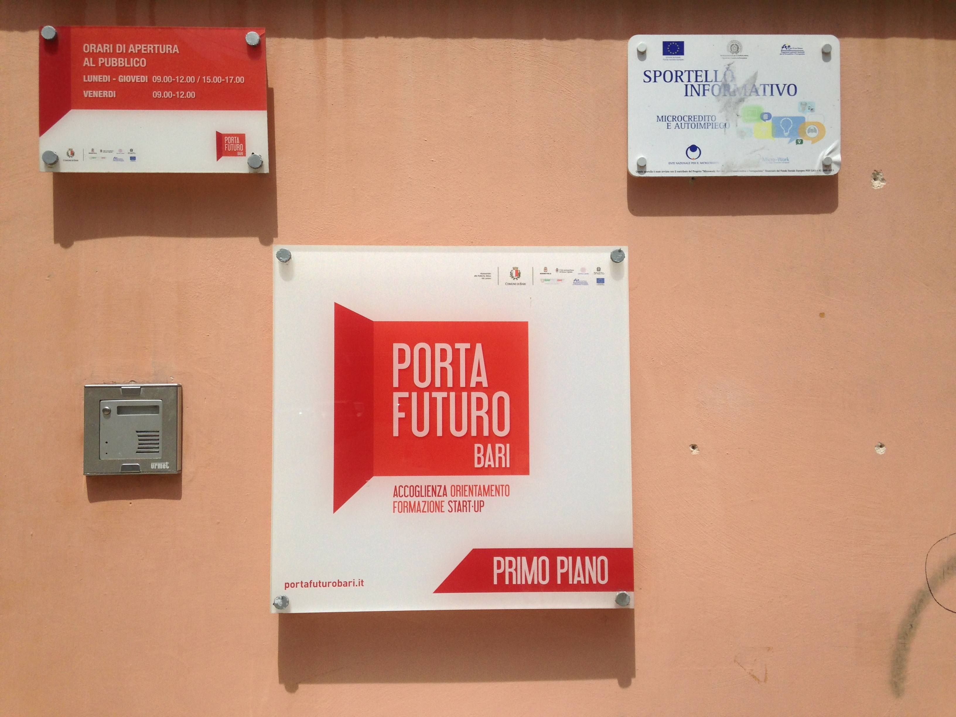 Porta Futuro employment centre in Bari, Italy. Source (cc) Eutropian